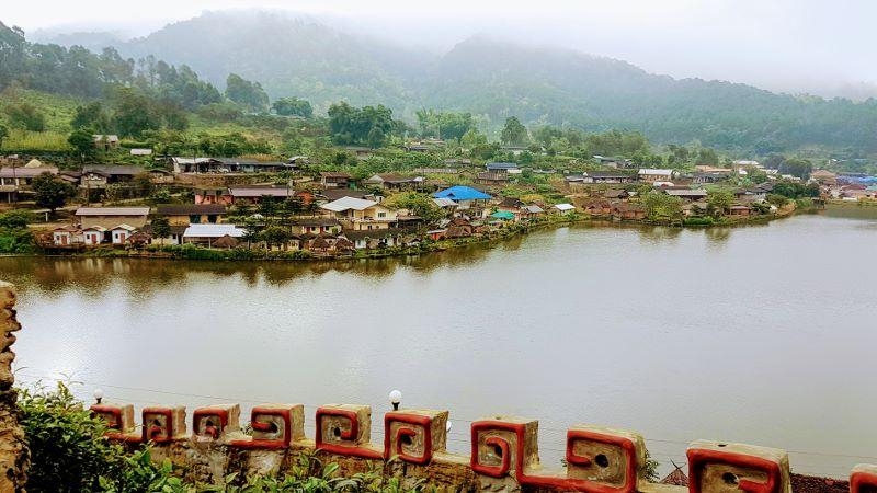 Ban Rak Thai - Lake