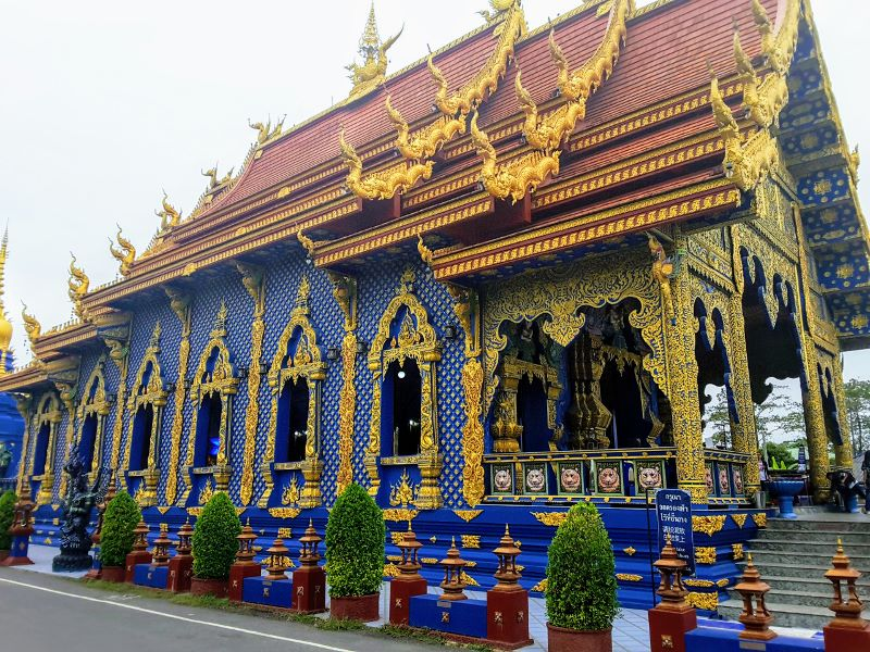 Blue Temple Chiang Rai - External