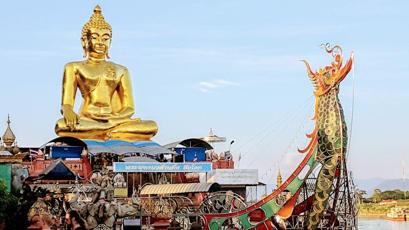 Golden Triangle - Golden Buddha Statue