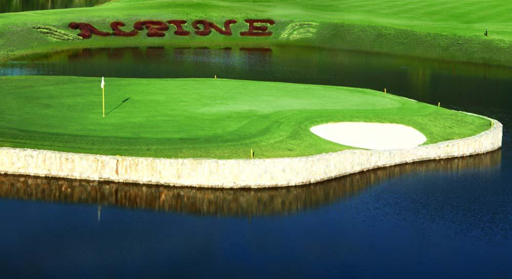 Alpine Golf Resort Chiang Mai - Island
