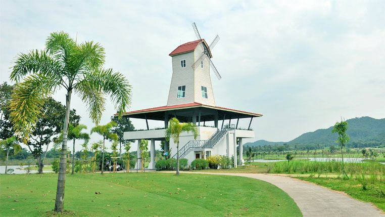 Happy City Golf Resort Chiang Rai - Windmill