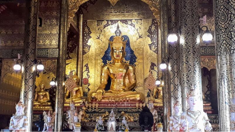 Wat Saeng Kaew Phothiyan Buddha