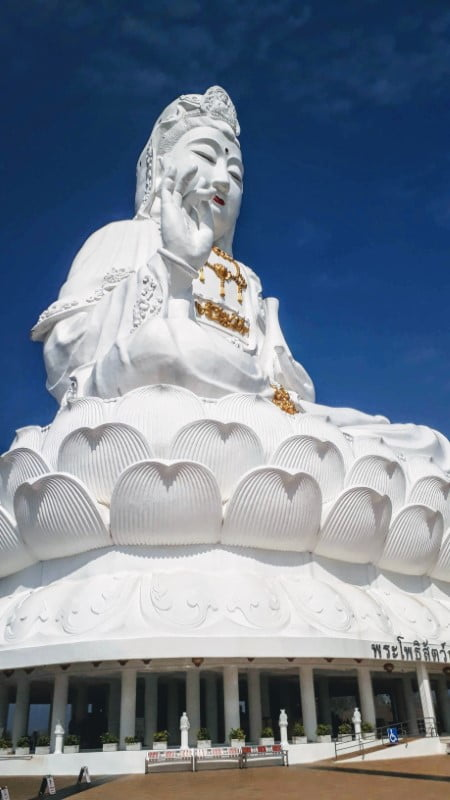 Wat Huay Pla Kang, Goddess of Mercy